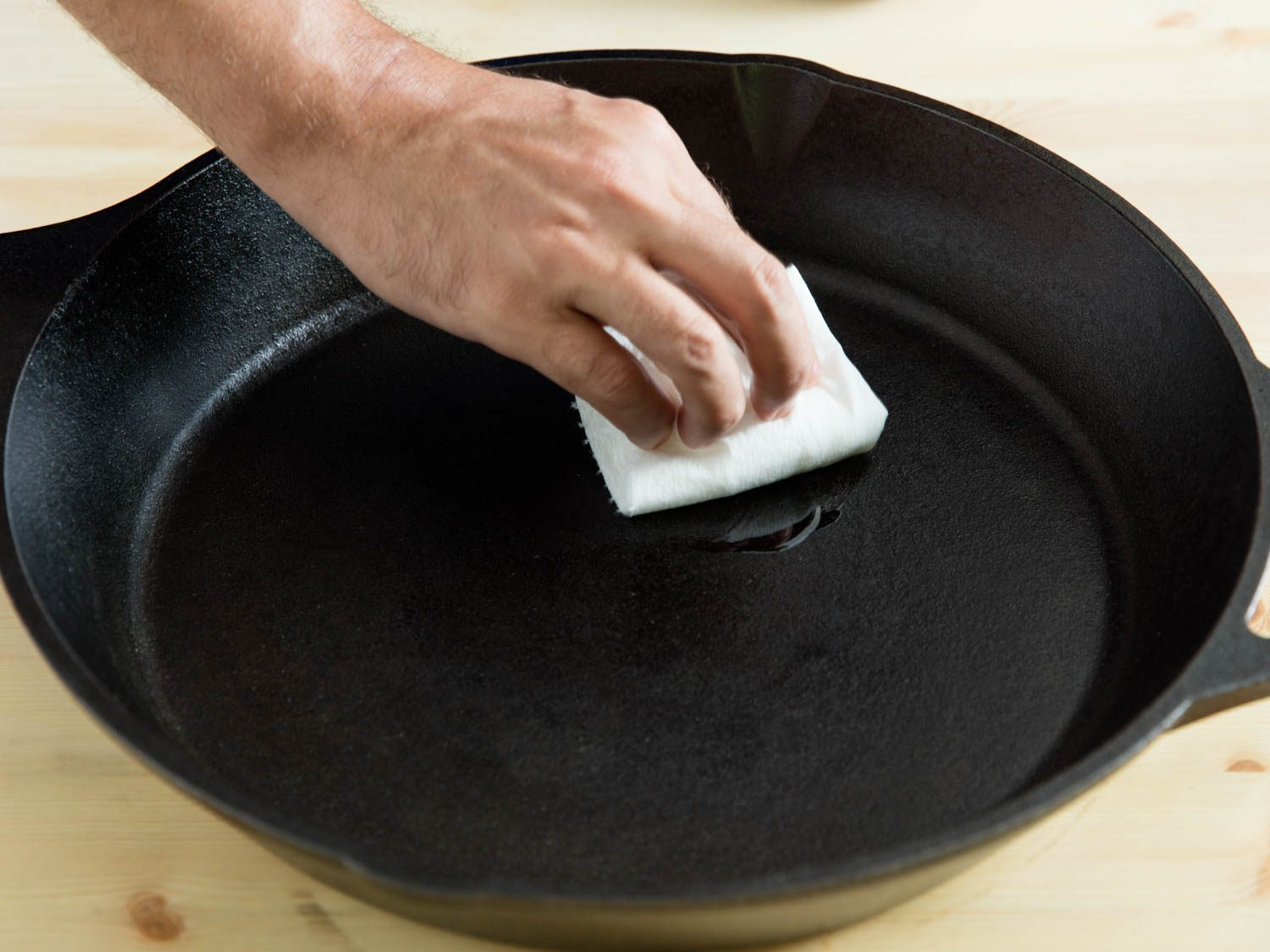 how to season cast iron